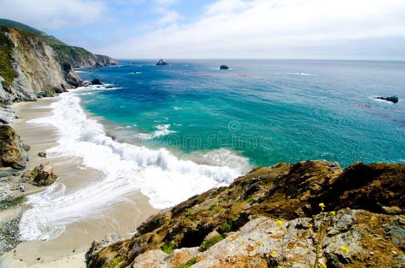 Scenisk utsikt på Kalifornien statrutt 1 arkivfoton