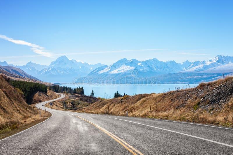 Scenisk väg som monterar kocken National Park, södra ö, Nya Zeeland arkivfoton