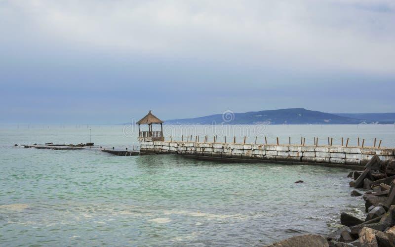 Sceniskt landskap på Black Sea på Balchik, Bulgarien royaltyfri fotografi