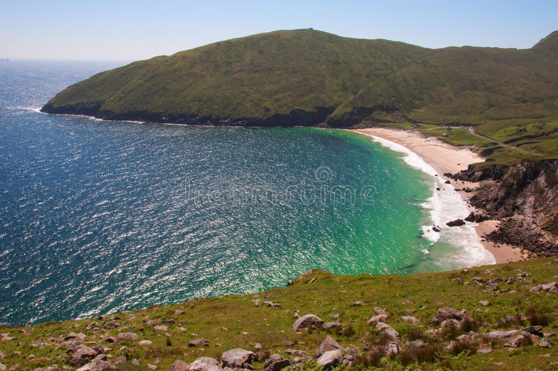 sceniskt västra för strandcaptureireland liggande arkivfoto