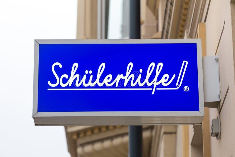 Schà ¼ lerhilfe podpisuje wewnątrz siegburg Germany zdjęcie stock