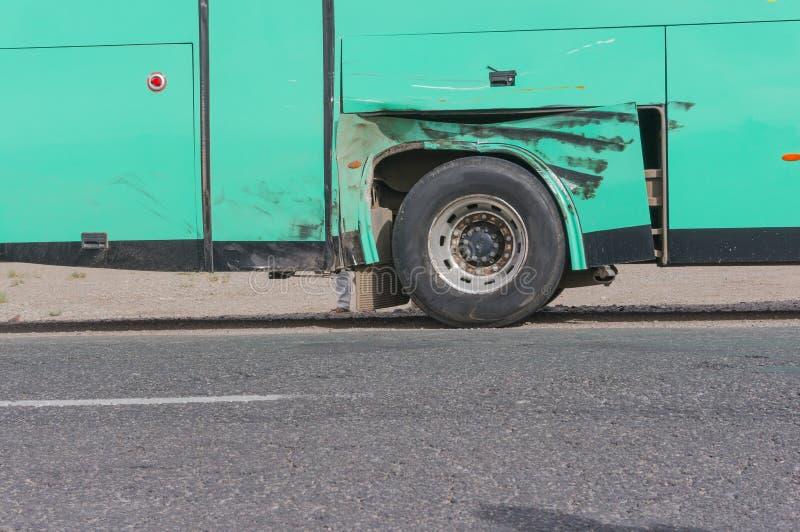 Schädigender Bus in Marokko lizenzfreies stockbild