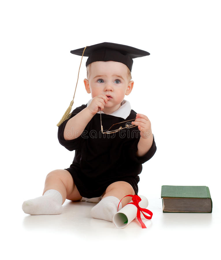 Schätzchen im Akademiker kleidet mit Rolle und Buch stockfotografie
