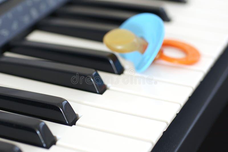 Schätzchen und Musik stockbilder