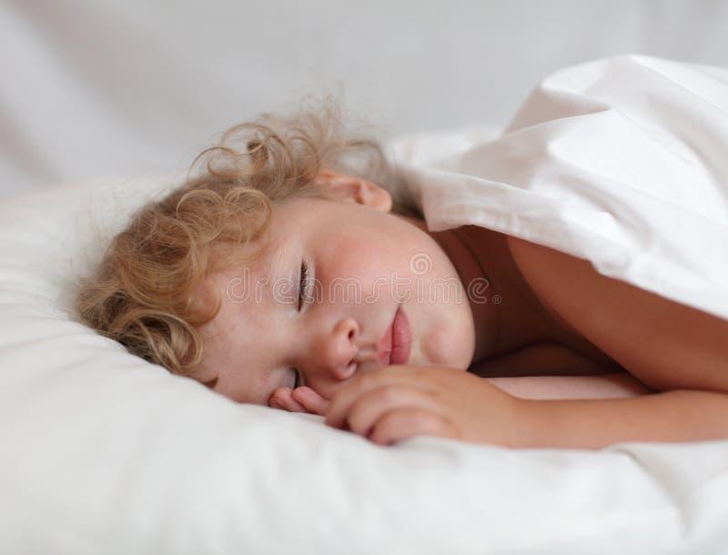Schätzchenschlafen lizenzfreie stockfotografie