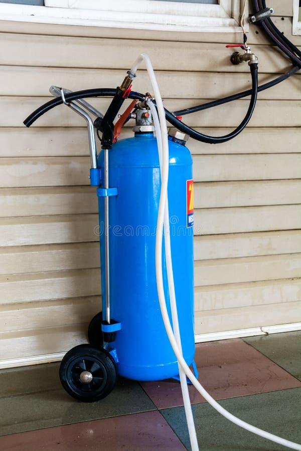 Schäumen Generator für Waschanlage stockfoto