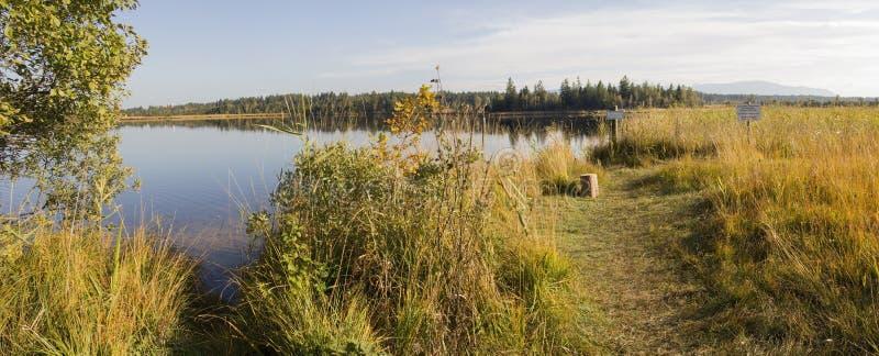 Schön machen Sie See kirchsee im Herbst, mit Naturschutz a fest stockfotografie