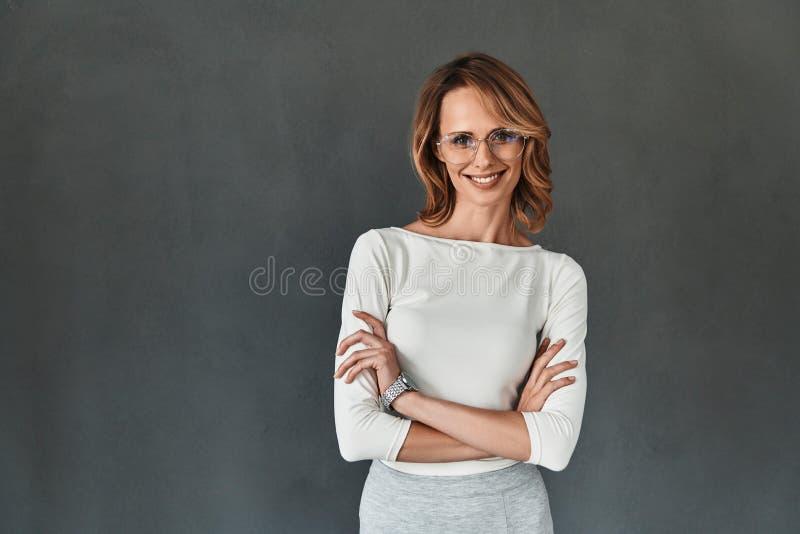 Schön und erfolgreich lizenzfreie stockfotos