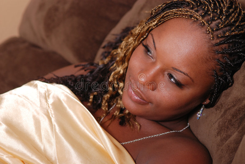 Schöne Afrian Amerikanerfrau. stockfotografie