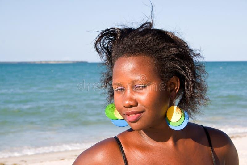 Schöne afrikanische Frau stockbilder