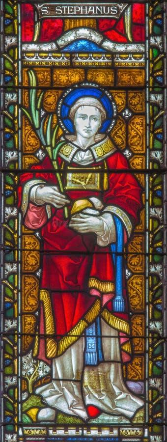 Schöne alte Fenster in Rom (Italien) 2016: Das St Augustine auf dem Buntglas von allem Saints& x27; Anglikanische Kirche durch Ar stockfotos