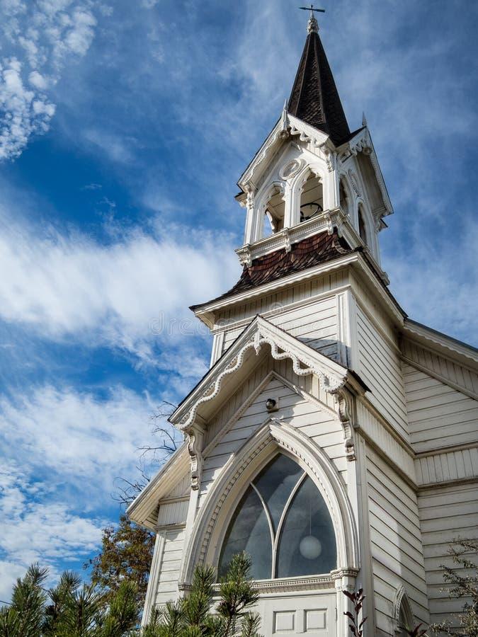 Schöne alte Kirchenarchitektur lizenzfreies stockbild