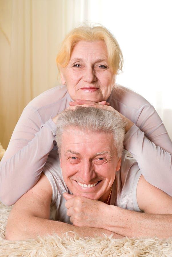 Schöne alte Paare stockfoto