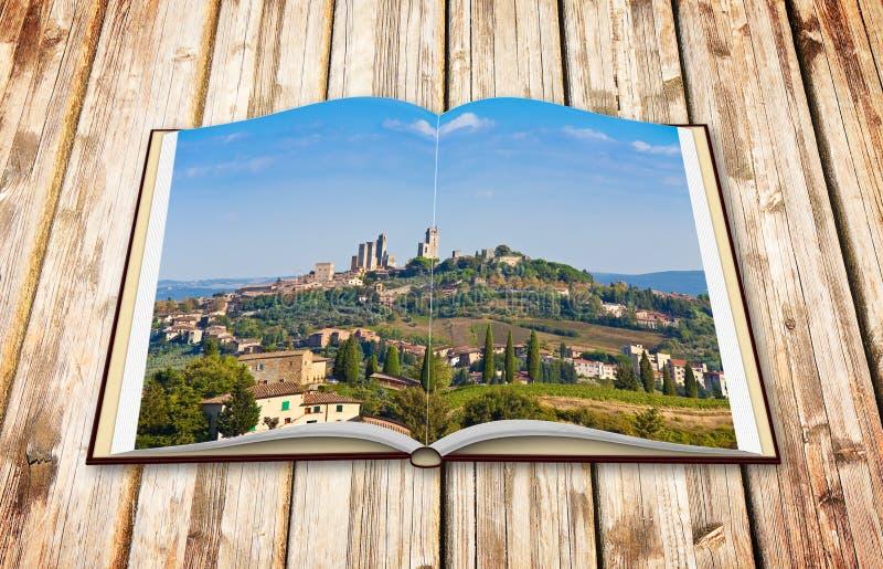 Schöne Ansicht der mittelalterlichen Stadt von San Gimignano Italien - Toskana - 3D übertragen von einem geöffneten Fotobuch, das stock abbildung
