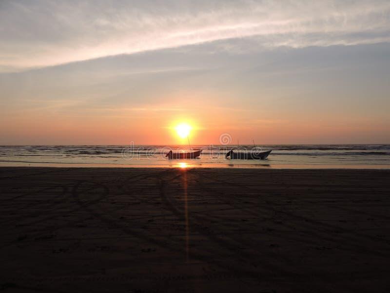 Schöne Ansicht des Sonnenuntergangs stockfotos