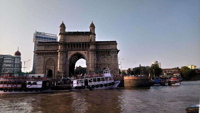 Schöne Ansicht des Zugangs von Indien Mumbai stockfotografie