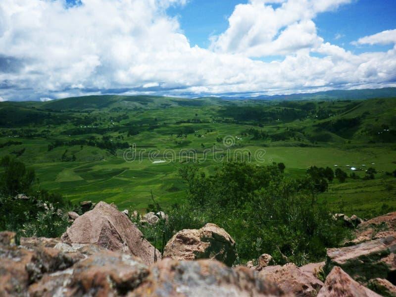 Schöne Ansicht einer Landschaft stockbilder