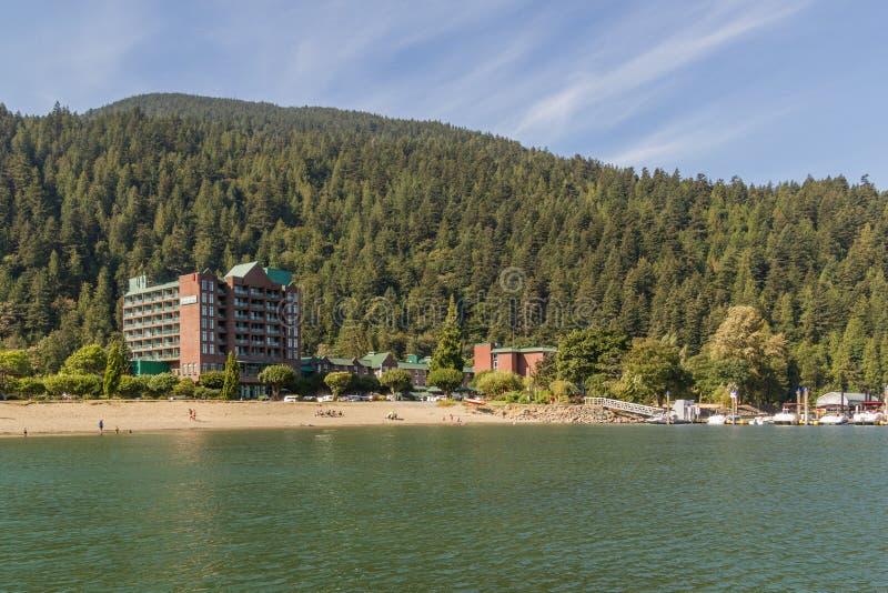 Schöne Ansicht am See, Harrison Hot Springs, Britisch-Columbia, Kanada lizenzfreie stockbilder