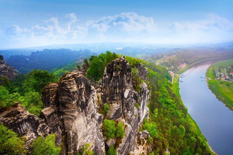 Schöne Ansicht von Bastei schaukelt, Sachsische Schweiz stockbilder