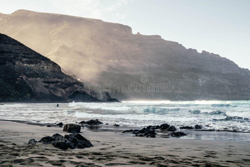 Schöne Ansicht von Strand Playa de Orzola in Lanzarote-Insel stockbilder