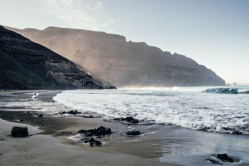 Schöne Ansicht von Strand Playa de Orzola in Lanzarote-Insel lizenzfreie stockfotos