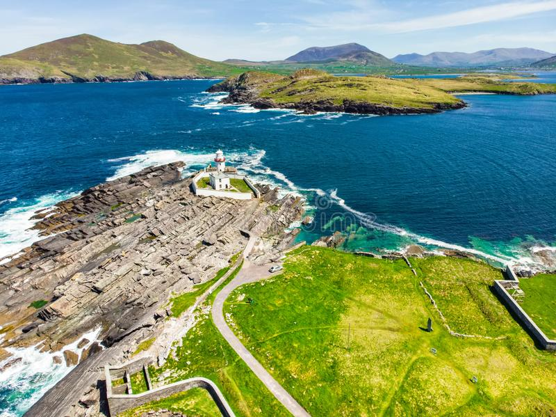 Schöne Ansicht von Valentia Island Lighthouse an Cromwell-Punkt Standorte wert das Besuchen auf der wilden atlantischen Weise stockbilder