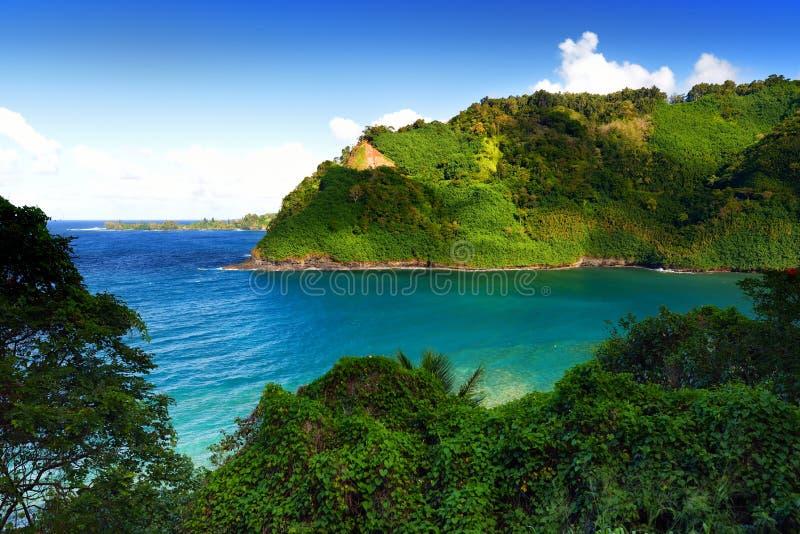 Schöne Ansichten von Maui-Nordküste gesehen von der berühmten kurvenreichen Straße zu Hana hawaii lizenzfreie stockfotografie