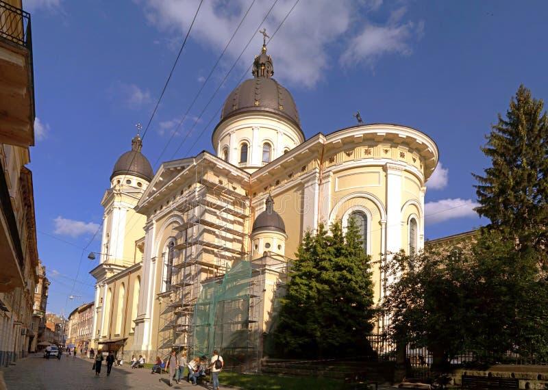 Schöne Architektur der Transfigurationskirche in Lemberg stockfotos