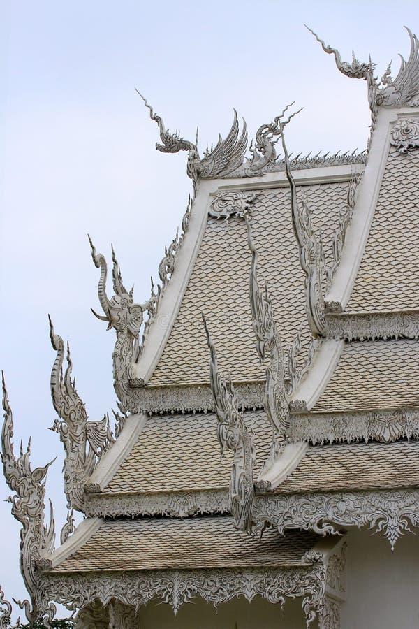 Schöne Architektur des Kirchendachs lizenzfreies stockbild