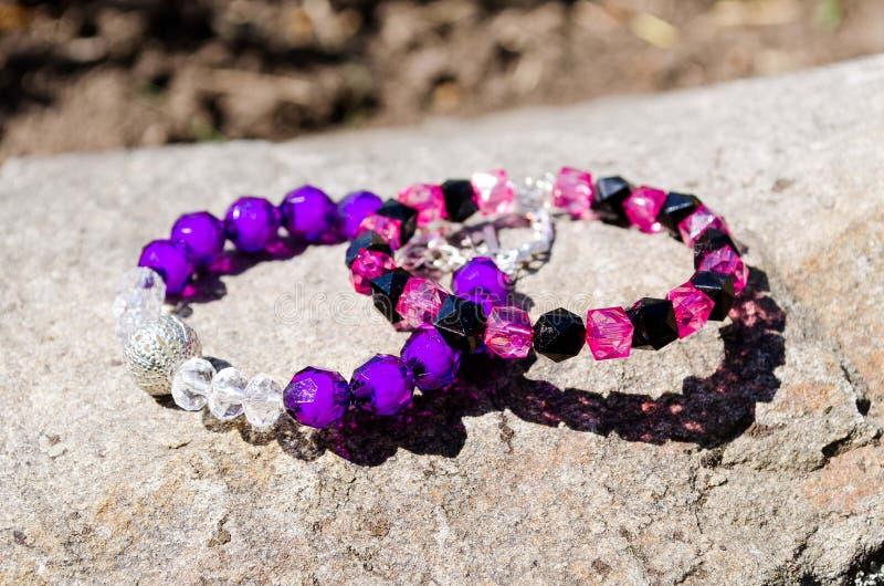 Schöne Armbänder für Mädchen bracelets dekorationen Perlenbesetzte Armb?nder mondstein Empfindliche Dekoration Bijouterie zubeh?r lizenzfreie stockbilder