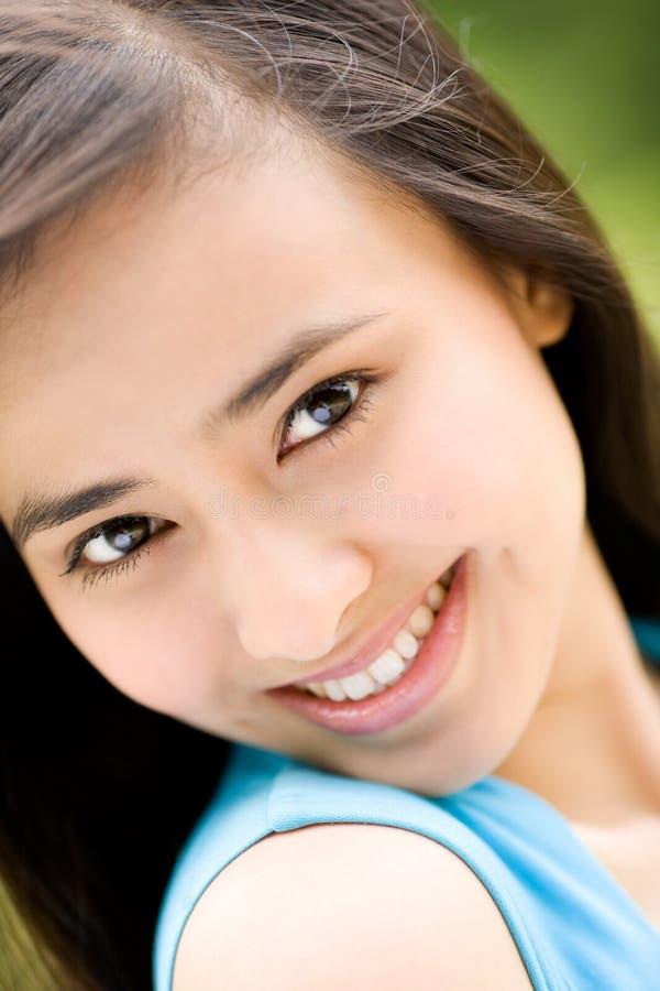Schöne Augen des asiatischen Frauenlächelns stockfoto