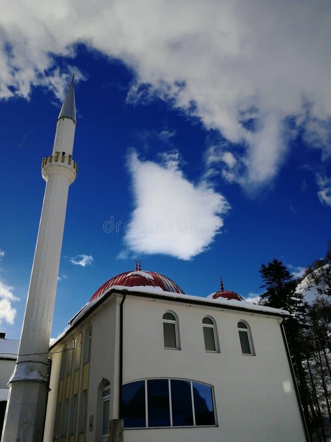 Schöne Aussicht der Moschee in meinem Dorf lizenzfreie stockfotos