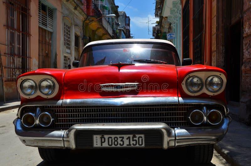 Schöne Autos von Kuba, Havana Straßen lizenzfreie stockbilder