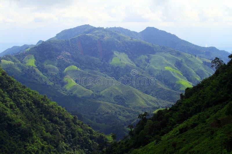 Schöne Berge lizenzfreie stockbilder