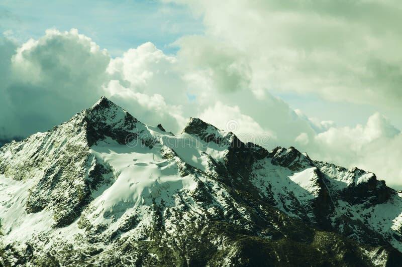 Schöne Bergkordilleren stockbild