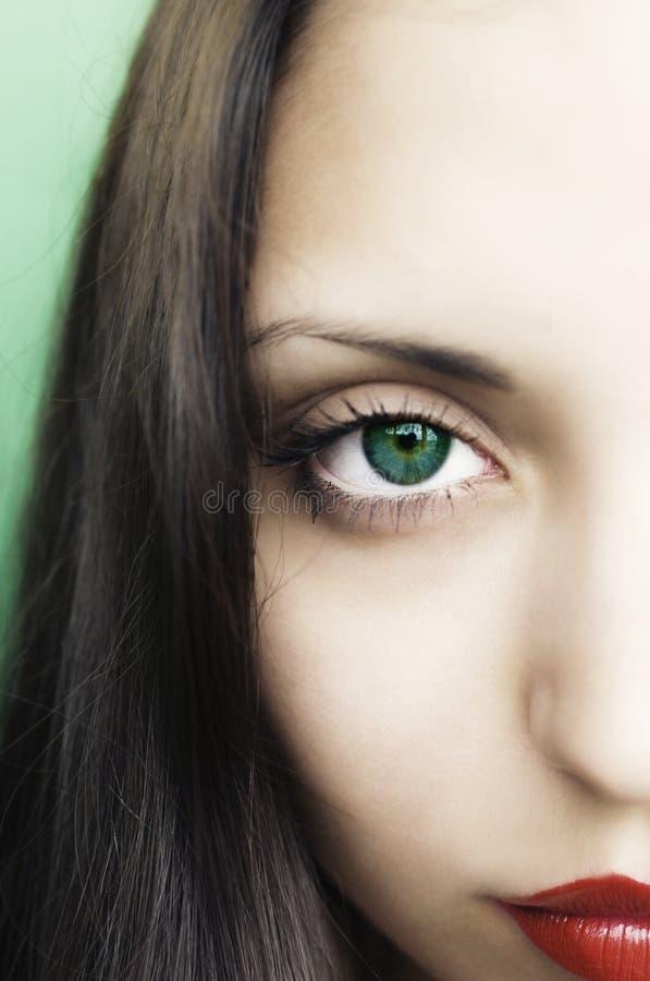 Schöne blind Brunettefrau stockfotografie