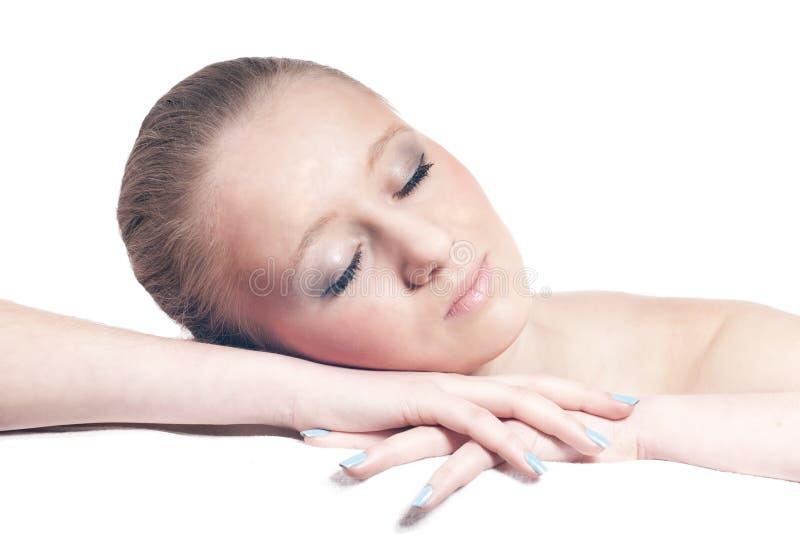 Schöne blonde junge Frau der schlafenden Zeit trennte stockbilder