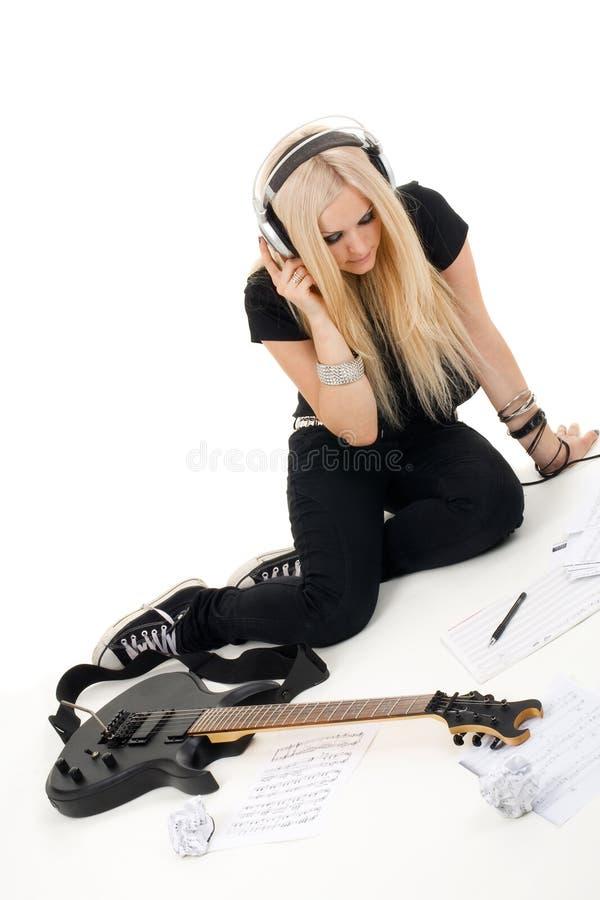 Schöne Blondine mit Ampere lizenzfreie stockbilder