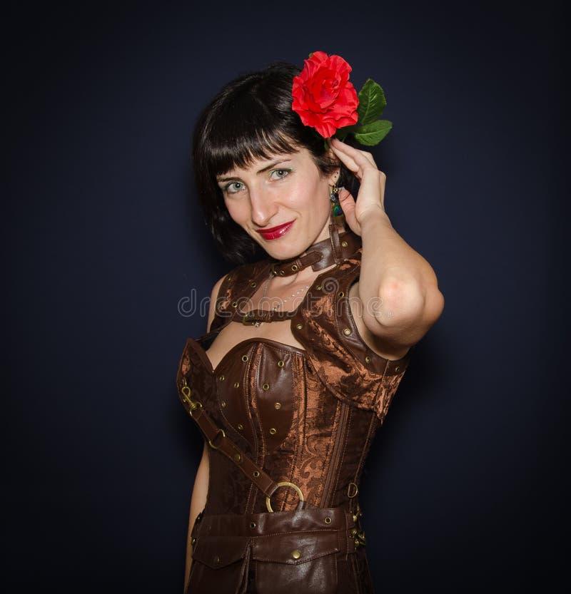 Schöne Brunette-Frau stockfotos