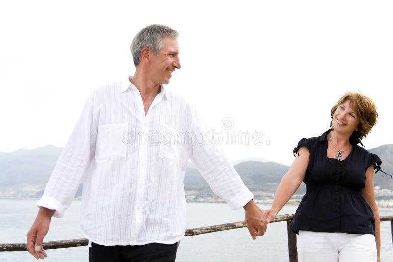 Schöne fällige Paare in der Liebe lizenzfreies stockbild