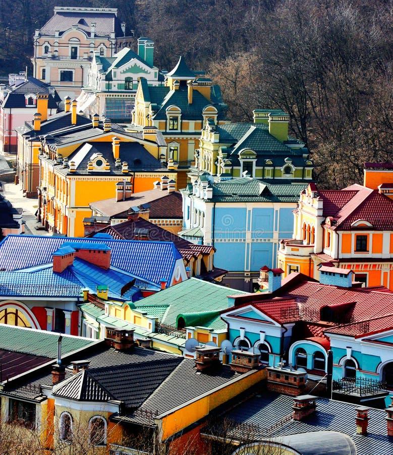 Schöne farbige kleine Gebäude von Podol lizenzfreies stockbild