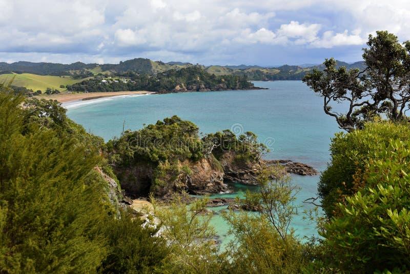 Sch?ne Felseneigenschaften an der Wal-Bucht in Neuseeland stockfoto