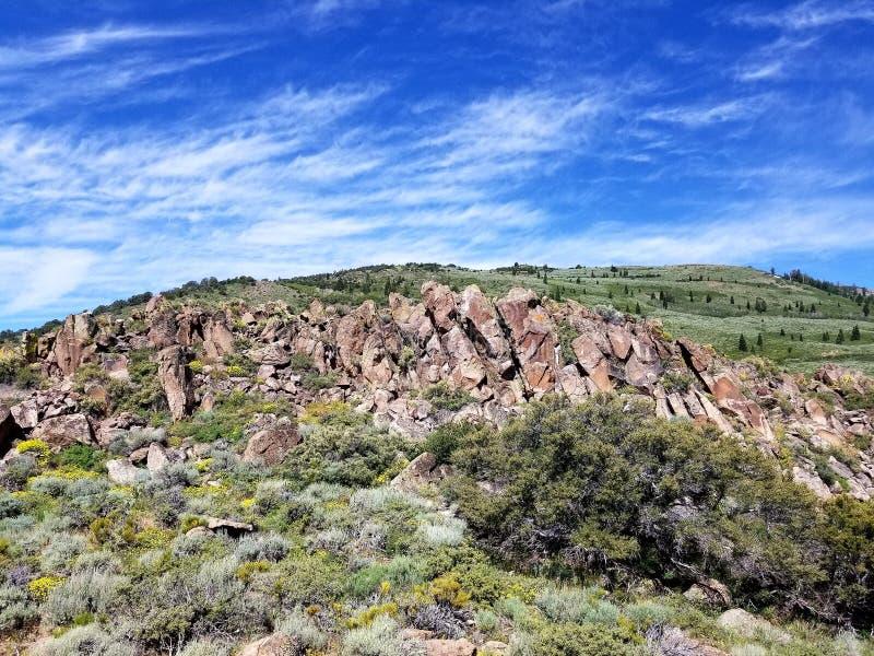 Schöne Felsformationen in Nevada lizenzfreie stockfotos