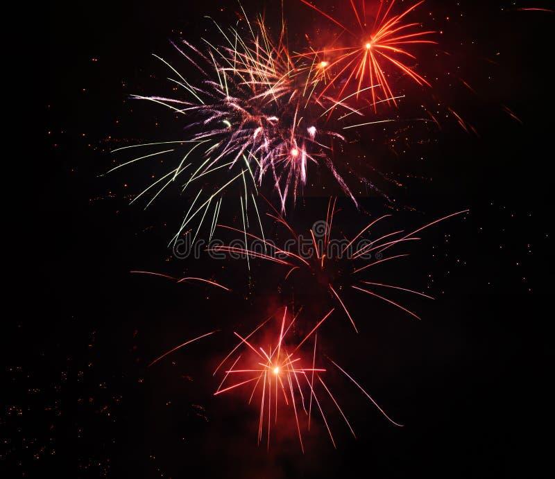 Schöne Feuerwerke von verschiedenen Arten stockfoto
