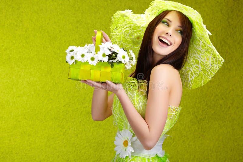 Schöne Frühlingsfrau stockfotos