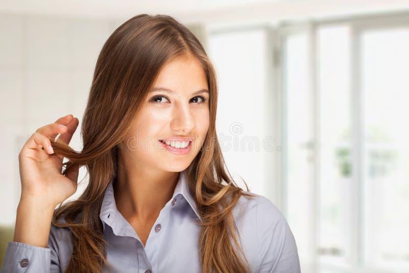 Schöne Frau lizenzfreie stockfotografie