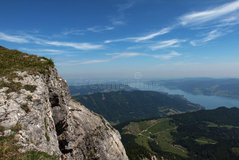Schöne Gebirgslandschaft in den österreichischen Alpen stockfotos