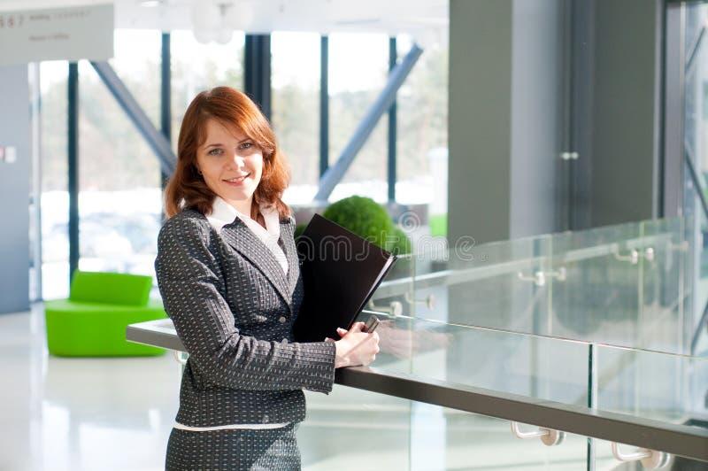 Schöne Geschäftsfrau stockbilder