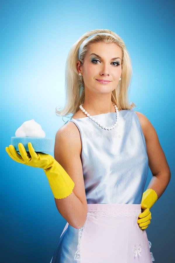 Schöne glückliche Hausfrau stockfotos