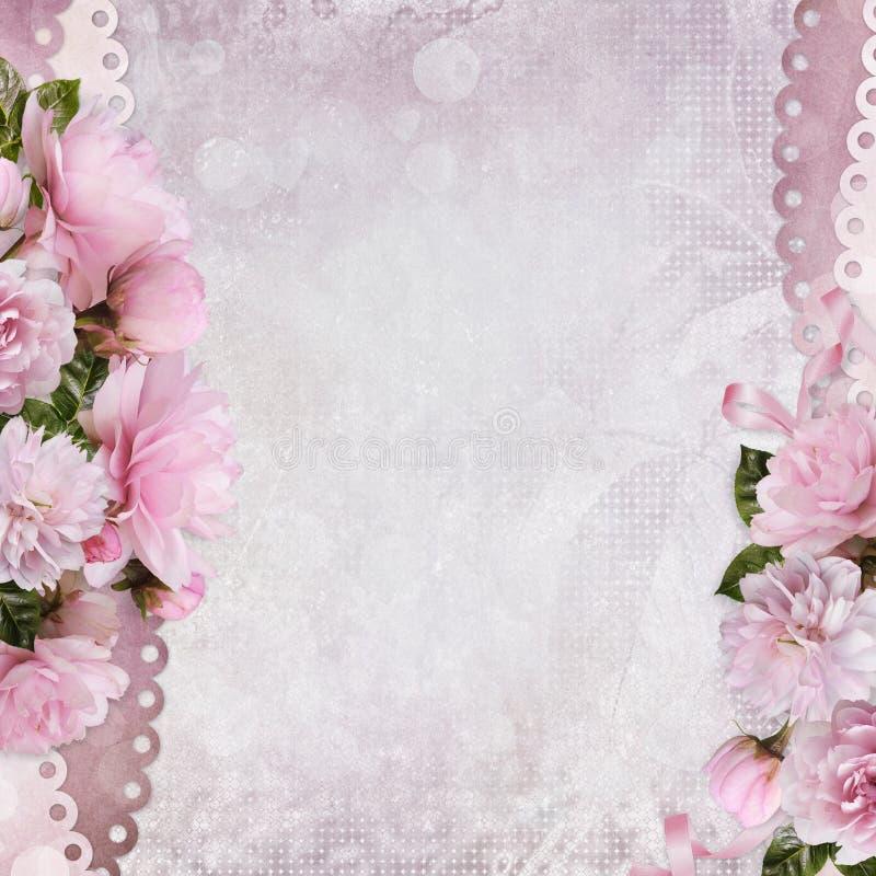 Schöne Grenzen von rosa Rosen auf einem leichten romantischen Weinlesehintergrund mit Raum für Text oder Foto stock abbildung